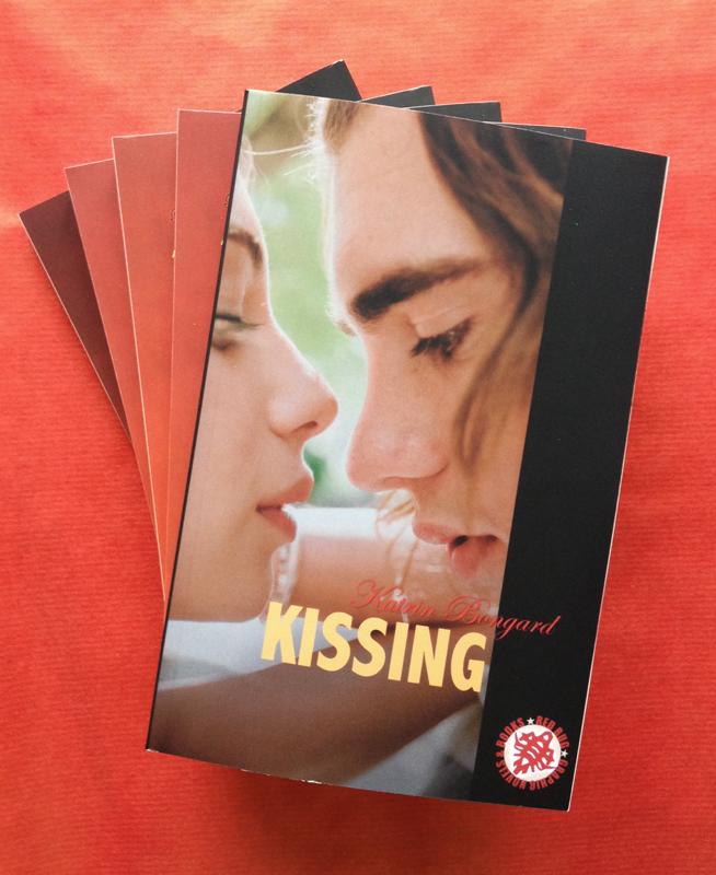 Blogtour Kissing Bücher