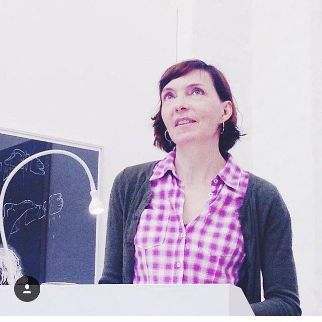 katrinbongard liest aus Lass uns fliegen  im Kunsthaus Potsdamhellip