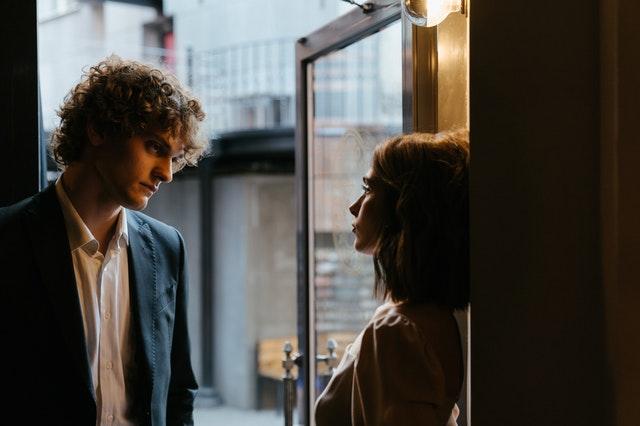 Dialoge - Wie schreibe ich eine gute Liebesszene